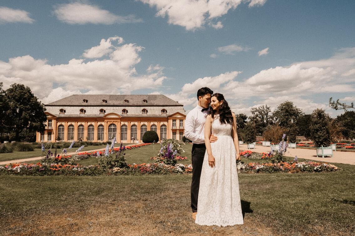 Brautpaarshooting Orangeriegarten Orangerie Darmstadt Hochzeitsfotos Braut Bräutigam